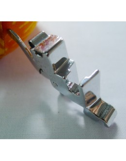 Compatible presser foot holder for domestic low shank machines (730)