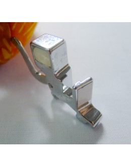 Compatible presser foot holder for domestic low shank machines (730N)